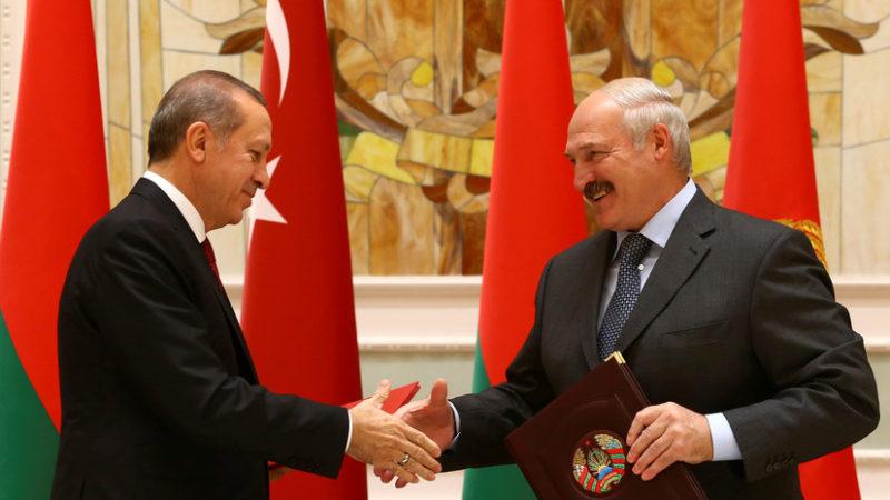 Belarus'ta seçimi Lukaşenko kazandı