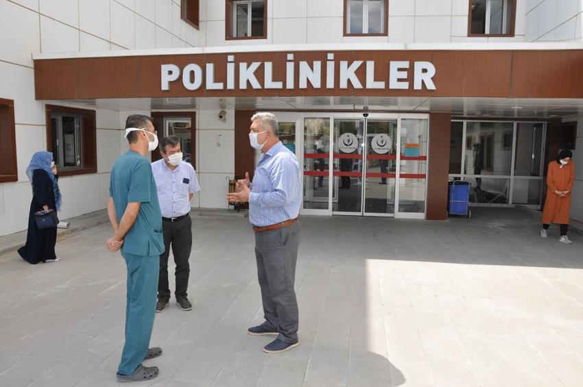 Zorlu'dan sağlık çalışanları ziyareti