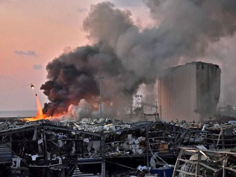 Beyrut Limanı yine yanıyor!